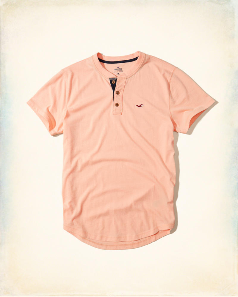 0371ee6d9cb Camiseta Hollister Must-Have Henley Peach Pink - EuEnvio Importados ...